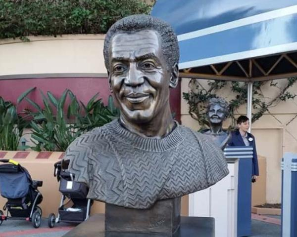 cosby bust_26336