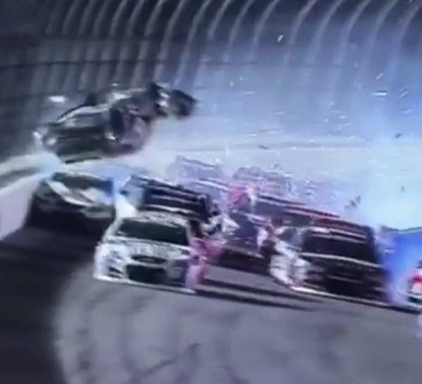 NASCAR WRECK_24720