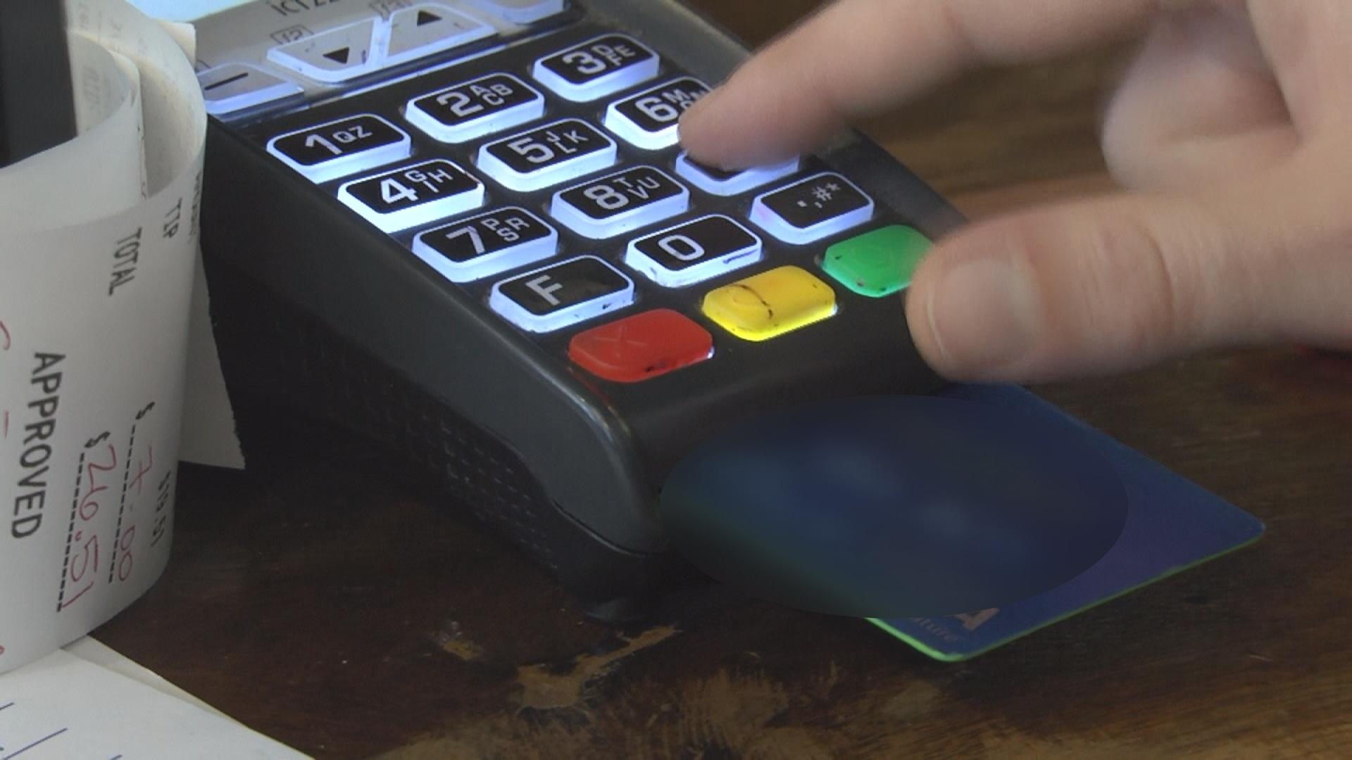 debit vs credit card pic_165222