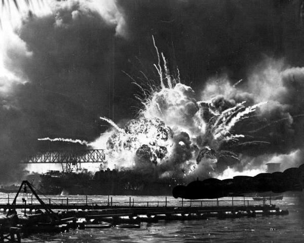 uss-shaw-explodes-at-pearl-harbor_279946