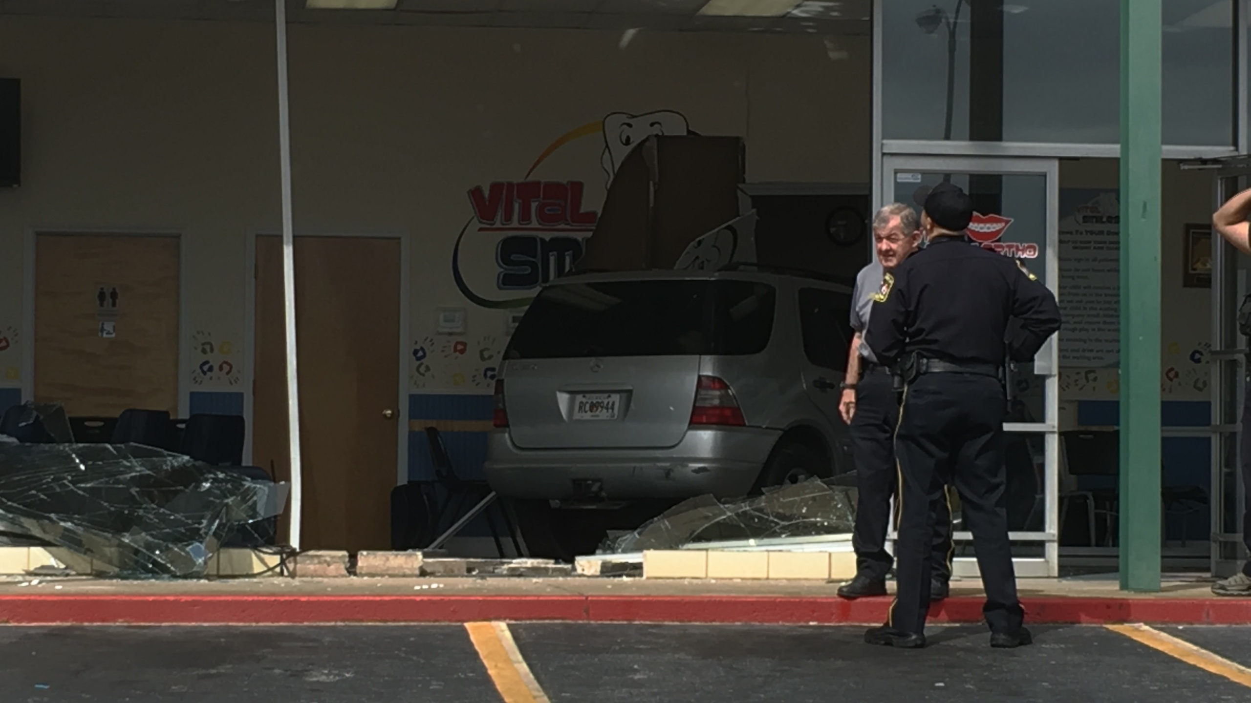 car-crashes-into-dentists-office_312967