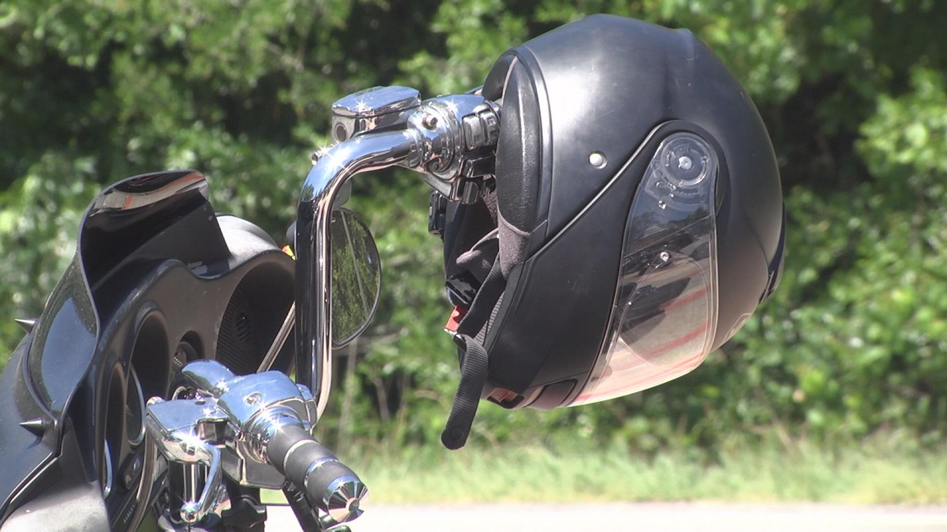 biker helmet motorcycle_346824
