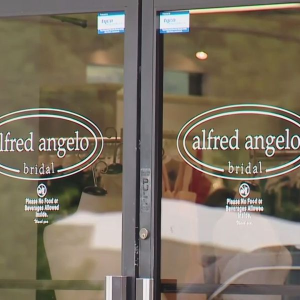 ALFRED ANGELO STORES CLOSED_378634