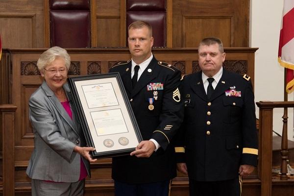 Soldier's Medal Presentation (2)_378422