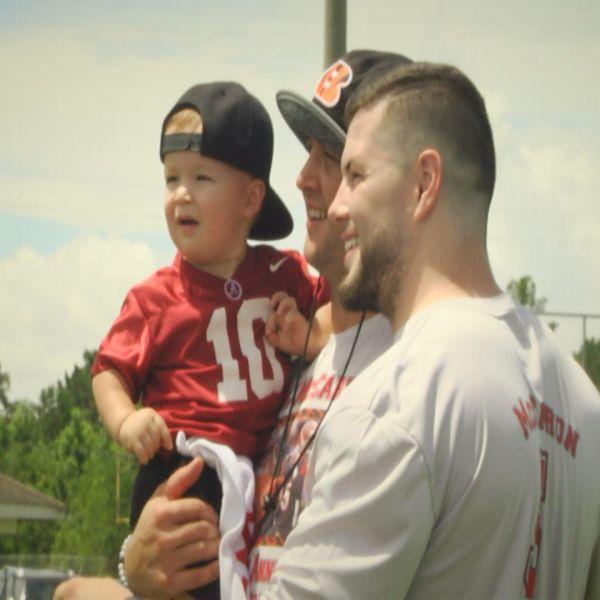 AJ McCarron with his family_378998