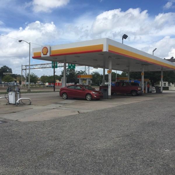 gasoline prices rise_403283