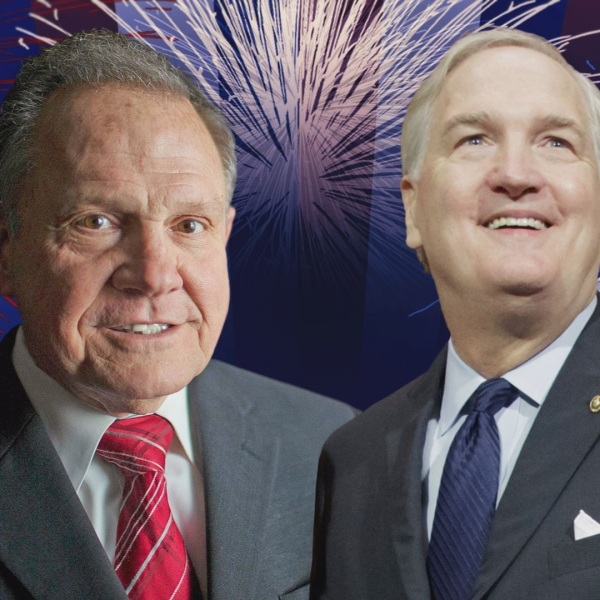 ROY MOORE LUTHER STRANGE_394930