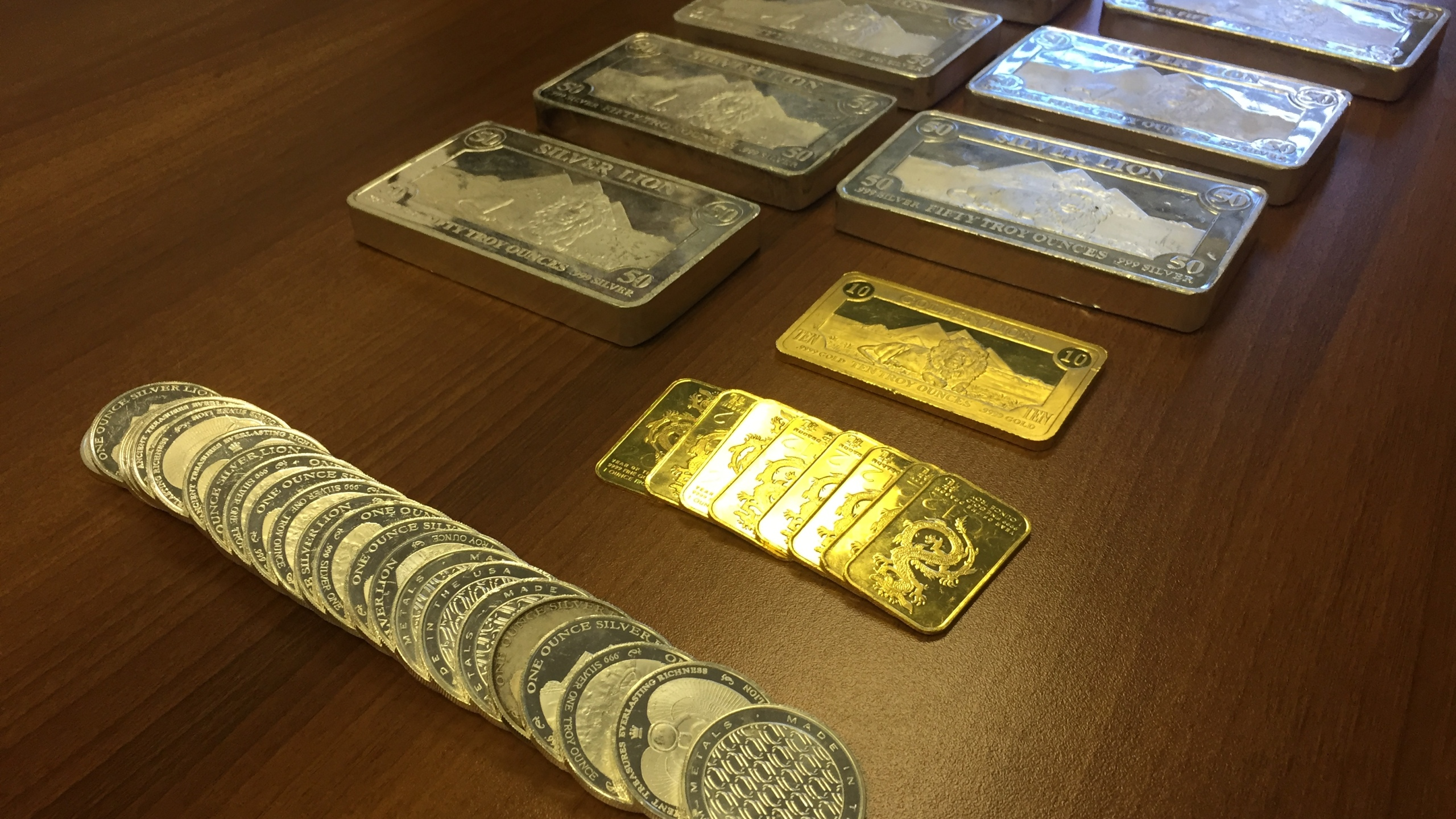gold and silver bars_434227