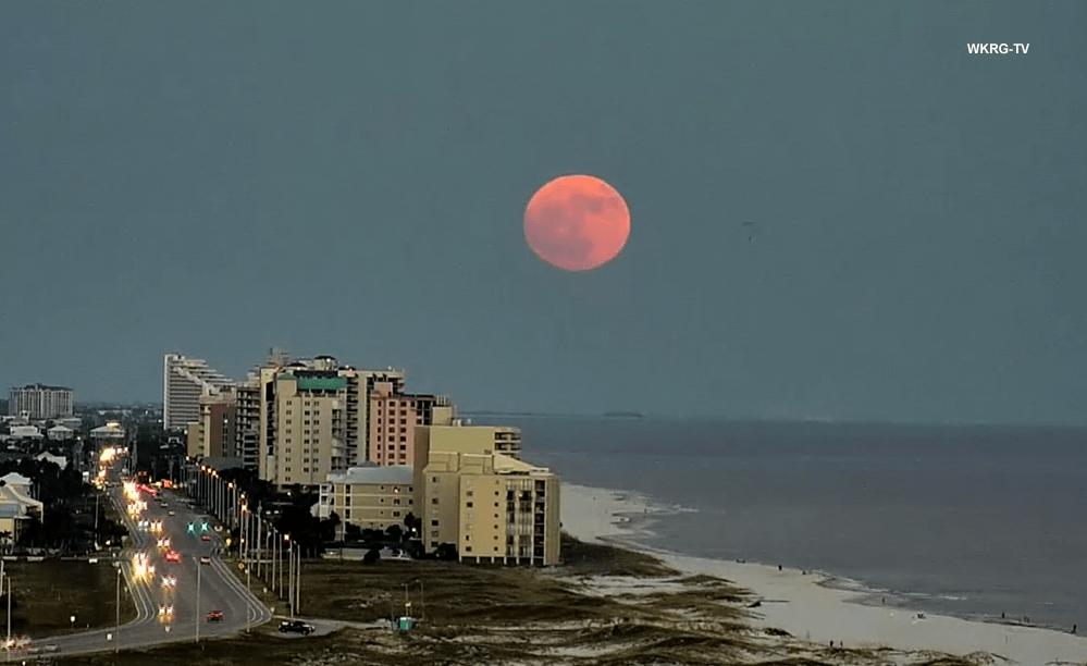 Full Moon at Orange Beach_453745