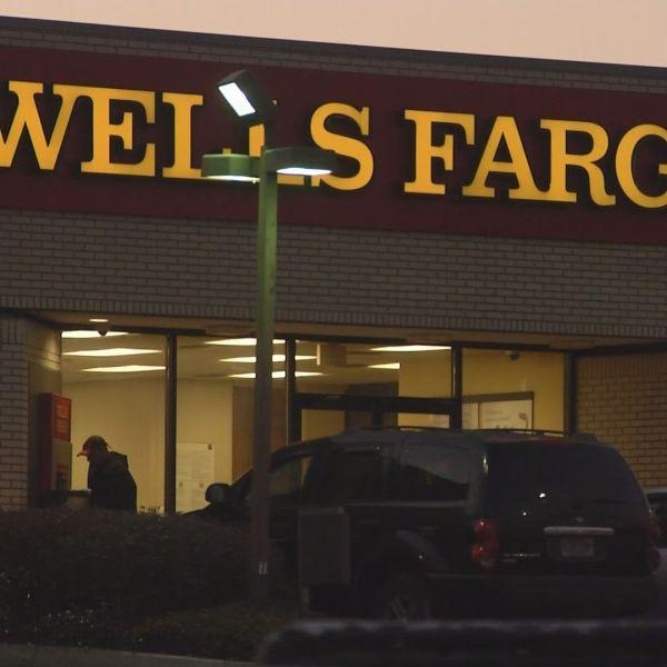 wells fargo bank robbery_470076