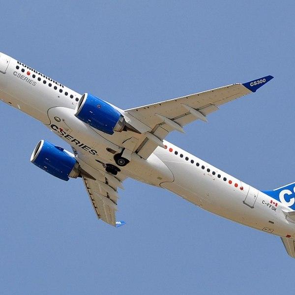 1024px-Bombardier,_BD-500_CSeries_CS300,_C-FFDK_-_SIAE_2015_(18887460245)_1517002081112.jpg
