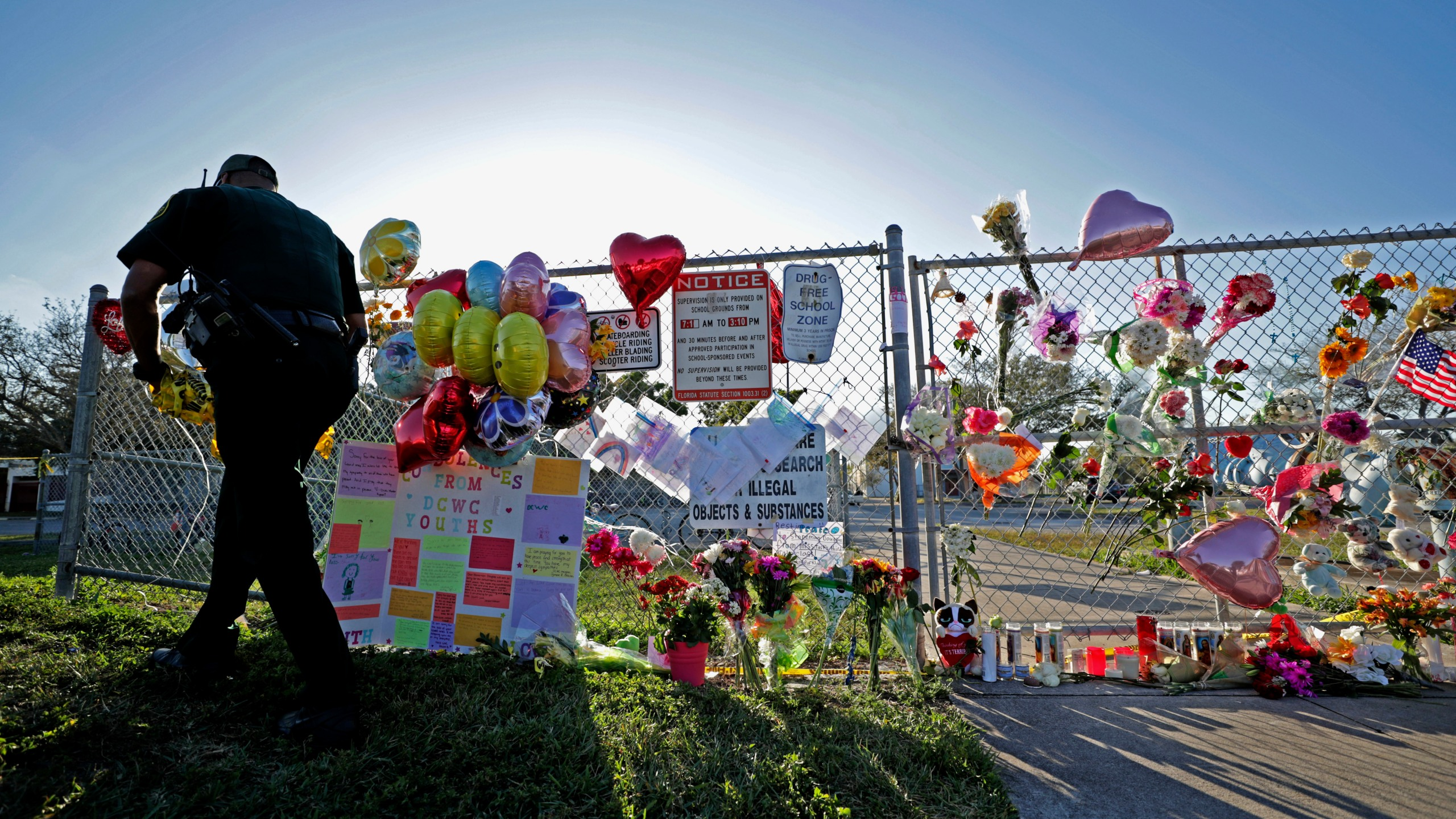 School_Shooting_Florida_59432-159532.jpg61685262