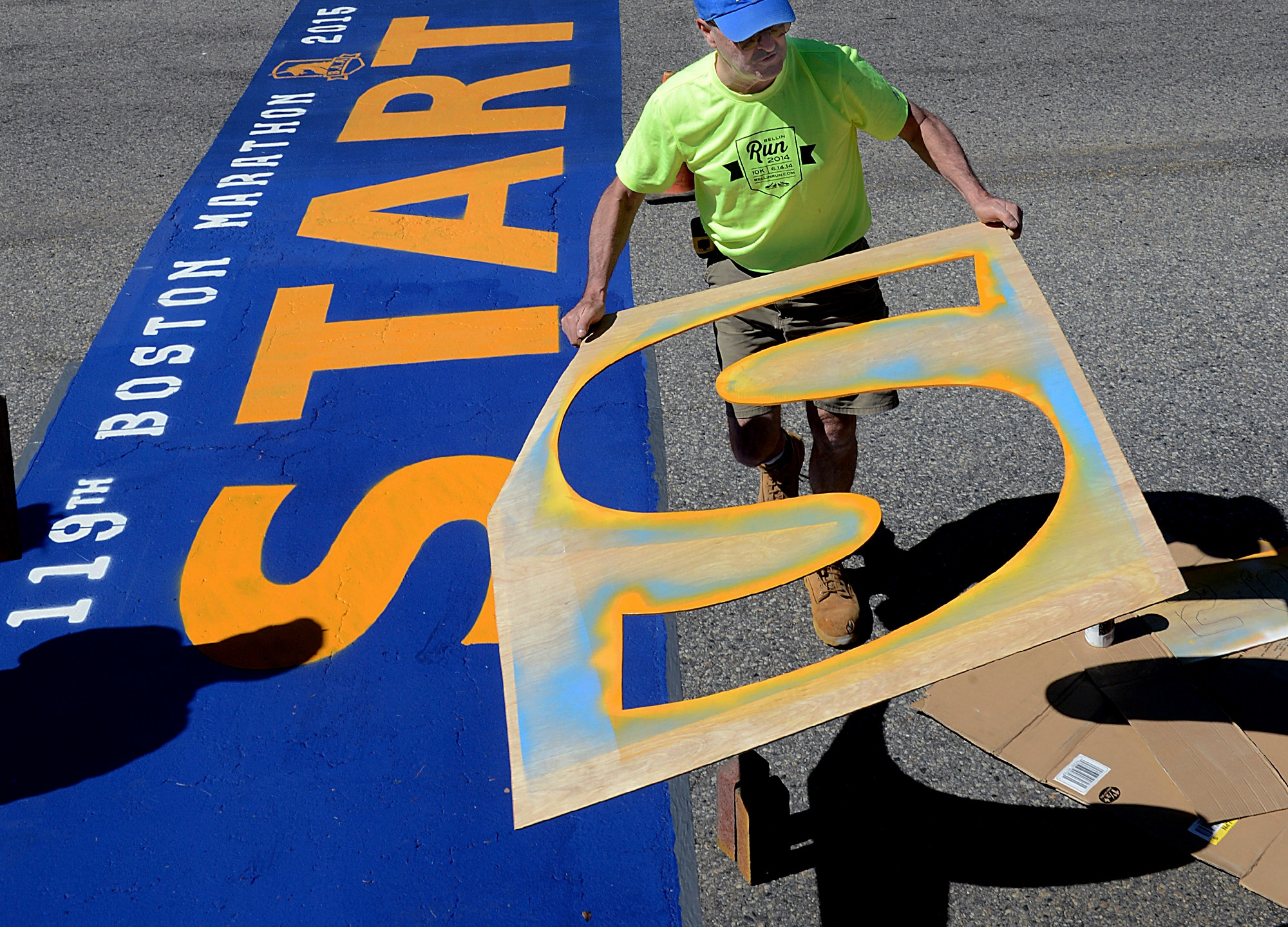 Boston_Marathon_Line_Painter_32849-159532.jpg43862712