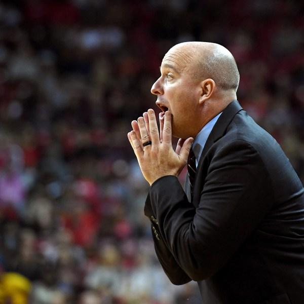 Head coach Matthew Graves of the South Alabama