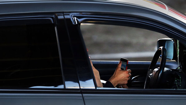 texting-and-driving-1_1519946782850.jpg