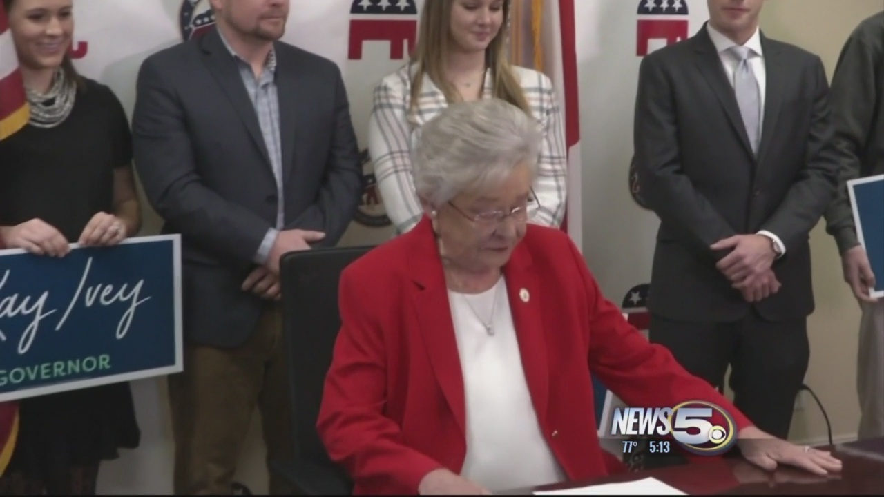 Governor_Kay_Ivey_won_t_commit_to_planne_0_20180404021125