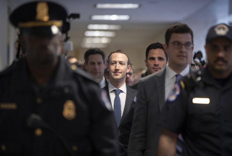 Mark Zuckerberg_1523365604031.jpeg.jpg