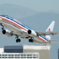 American Airlines 737-800 N966AN_360024