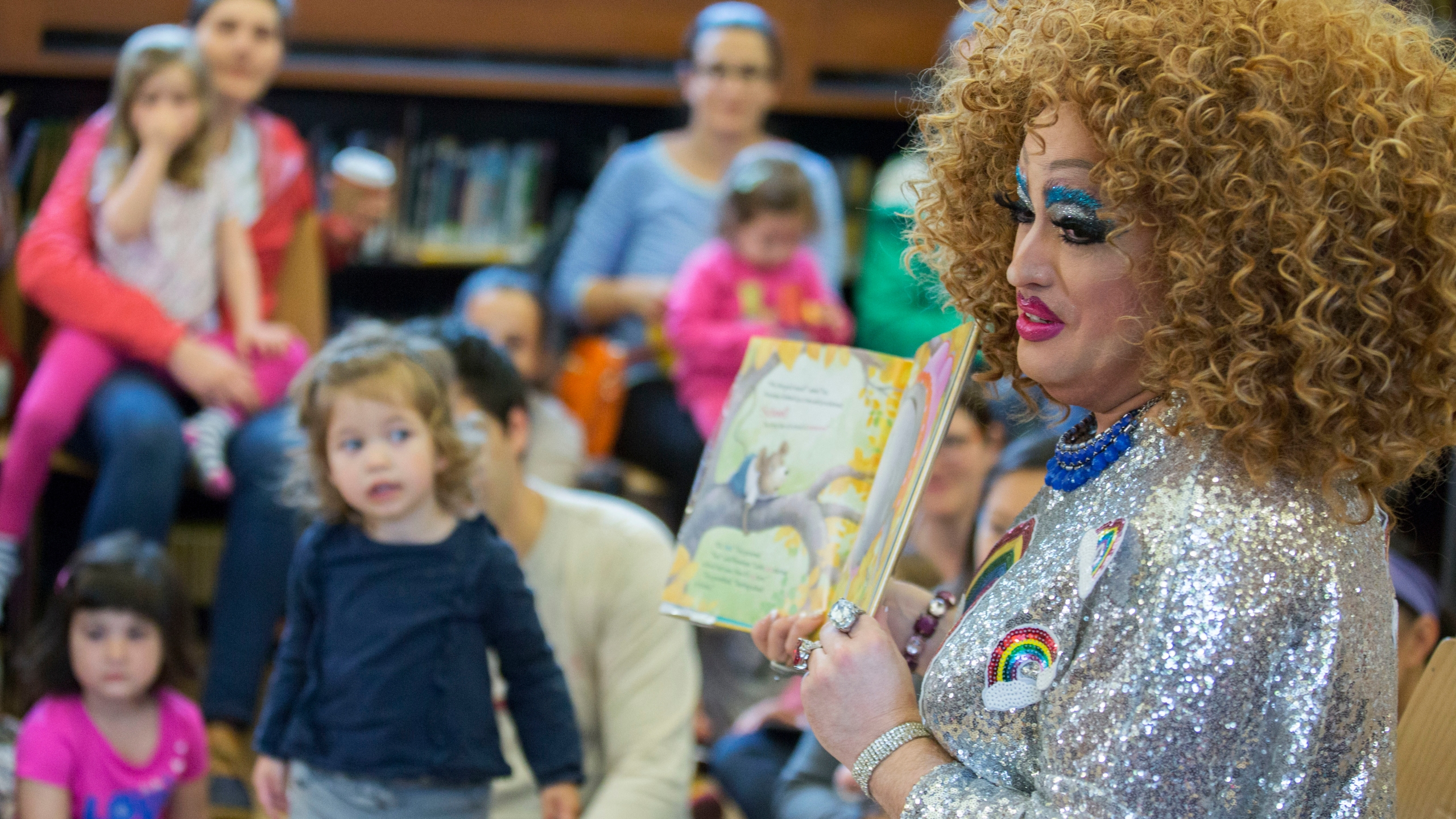 Drag Queen Story Hour_1534610976097