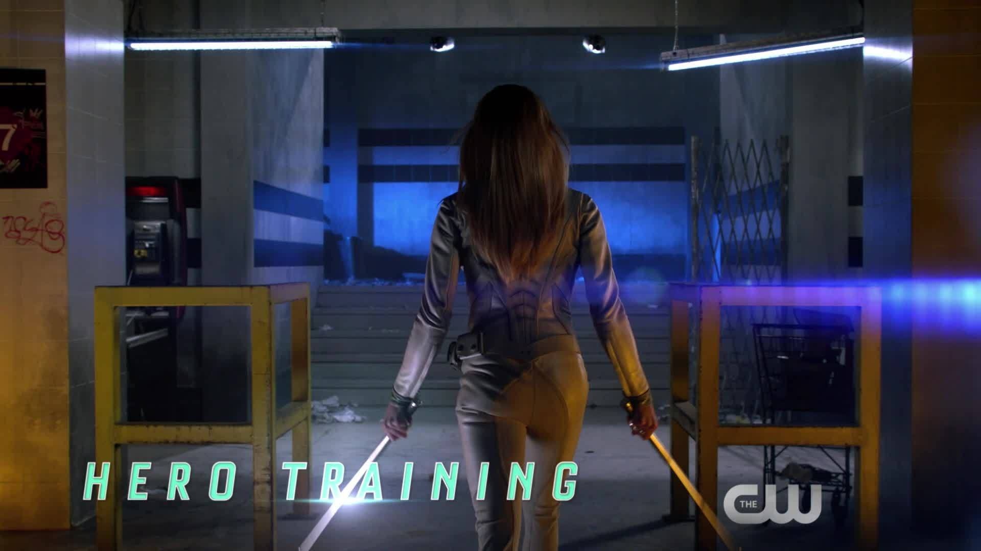 THE CW   Superhero Subway Sizzle
