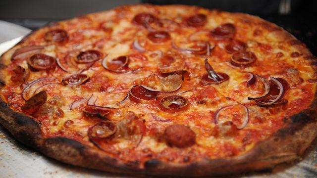 pizza_1537445188989_56227553_ver1.0_640_360_1537446382413_56228353_ver1.0_640_360_1537450641817.jpg