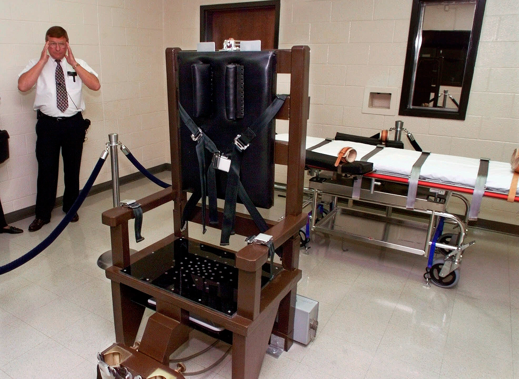 Electric_Chair_Tennessee_60603-159532.jpg90178846