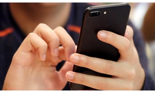 Digital Life Cutting Back on Tech_1544642752967