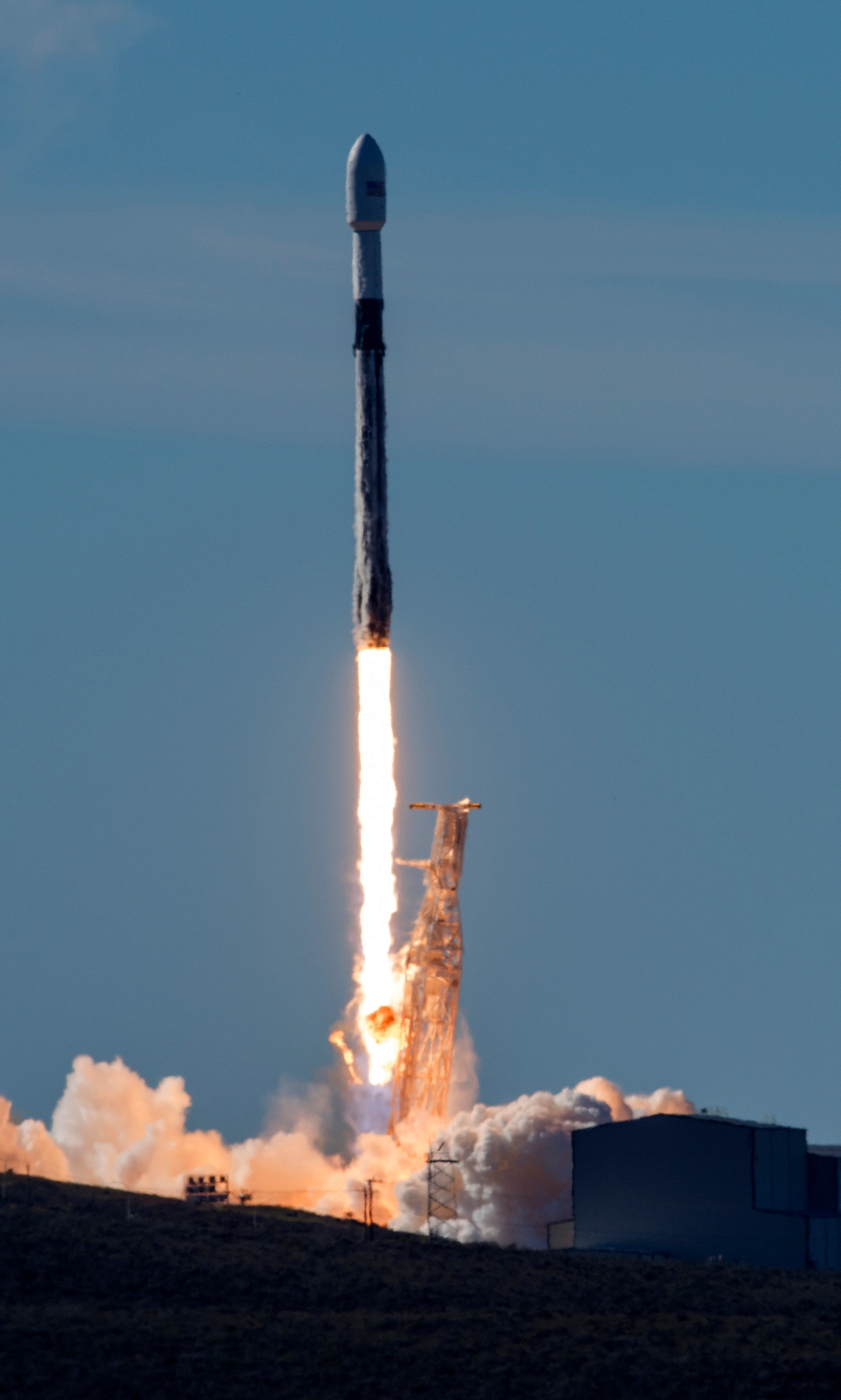 SpaceX_Launch_61440-159532.jpg89756547