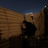 Central American Migrant Caravan_1546141159354