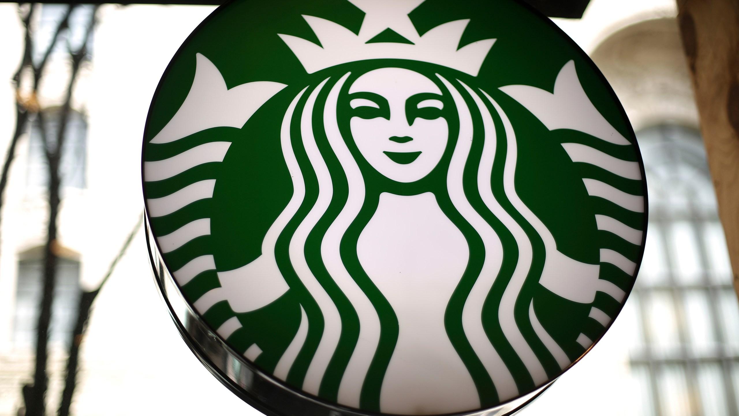 Earns_Starbucks_22313-159532.jpg32522517