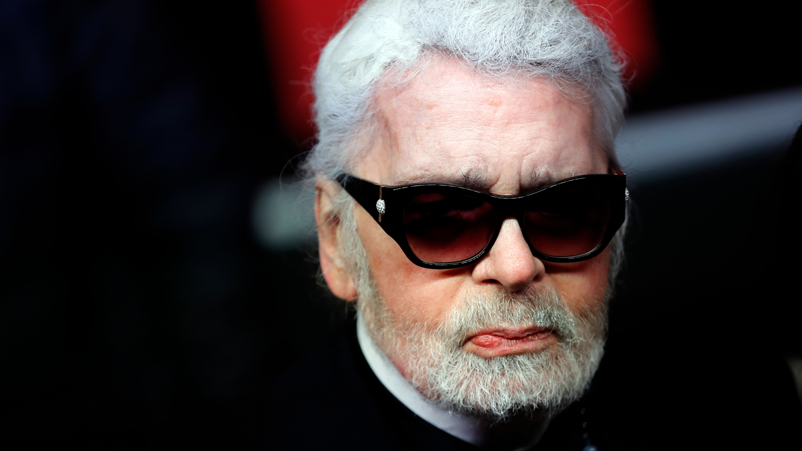 France Obit Lagerfeld_1550579491253