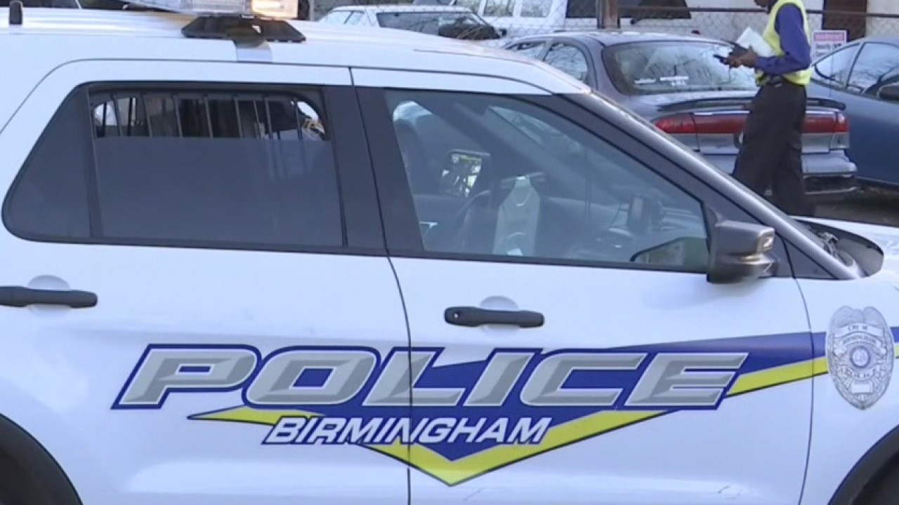 birmingham police lights car crime news_stock