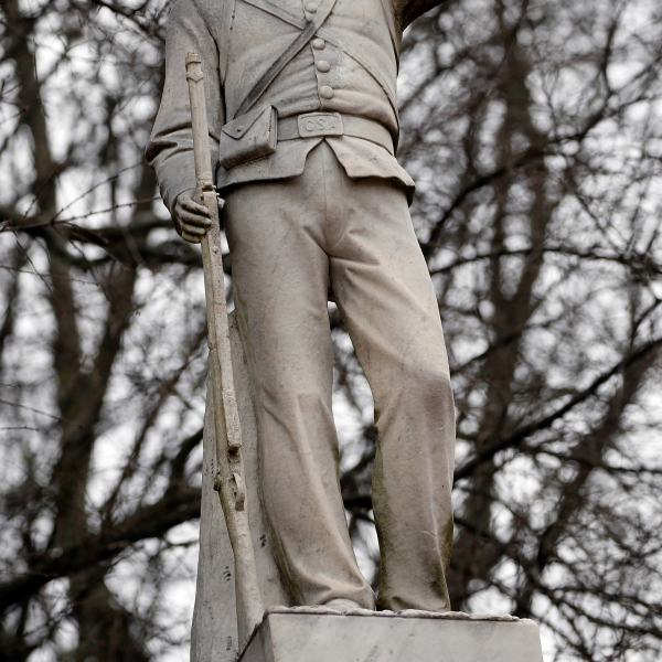 Ole_Miss_Confederate_Monument_87729-159532.jpg36005584