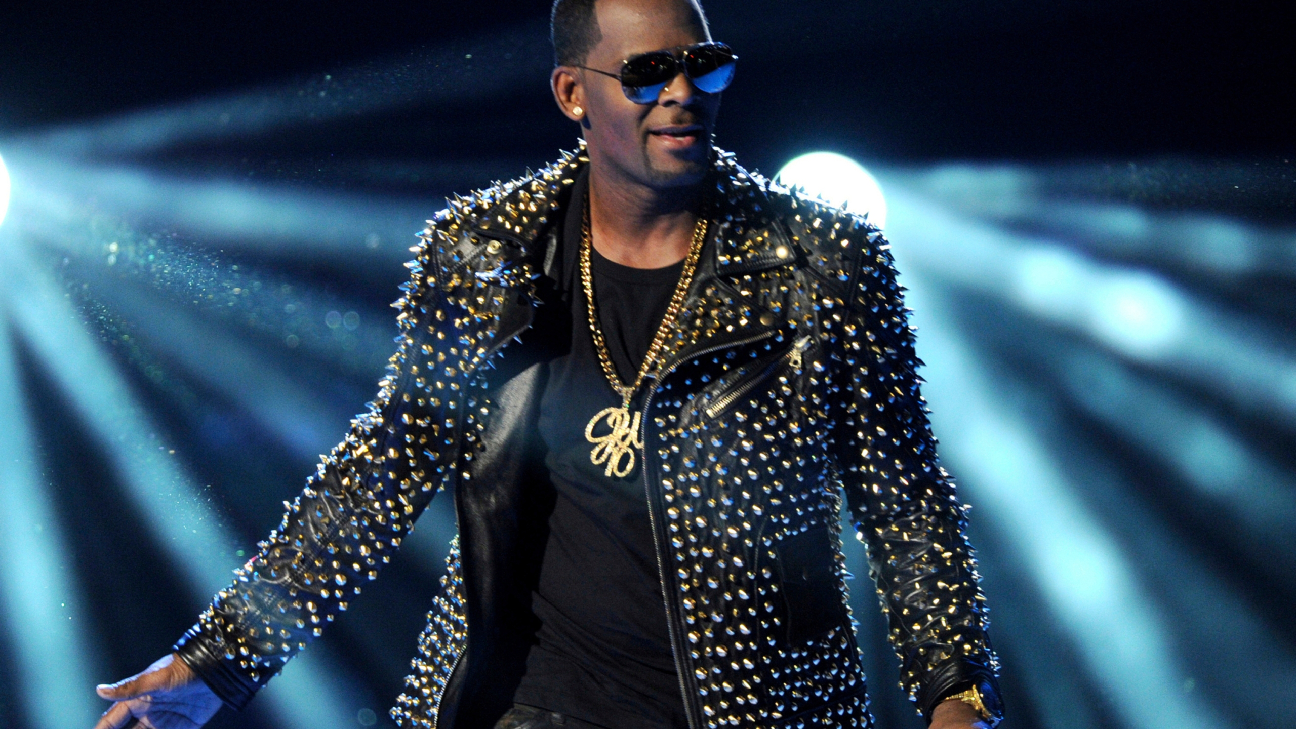 R_Kelly_Legal_Strategy_32315-159532.jpg39868218