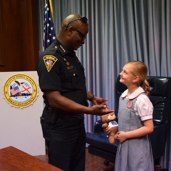 girl donates to MPD for her birthday