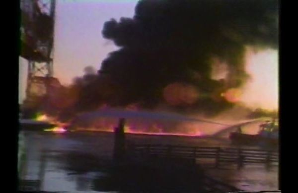 Mel Moments: Late 1970s Mobile River barge fire