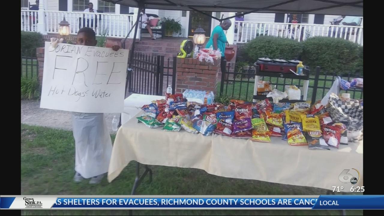 South Carolina boy gives up Disney trip to give hotdogs to