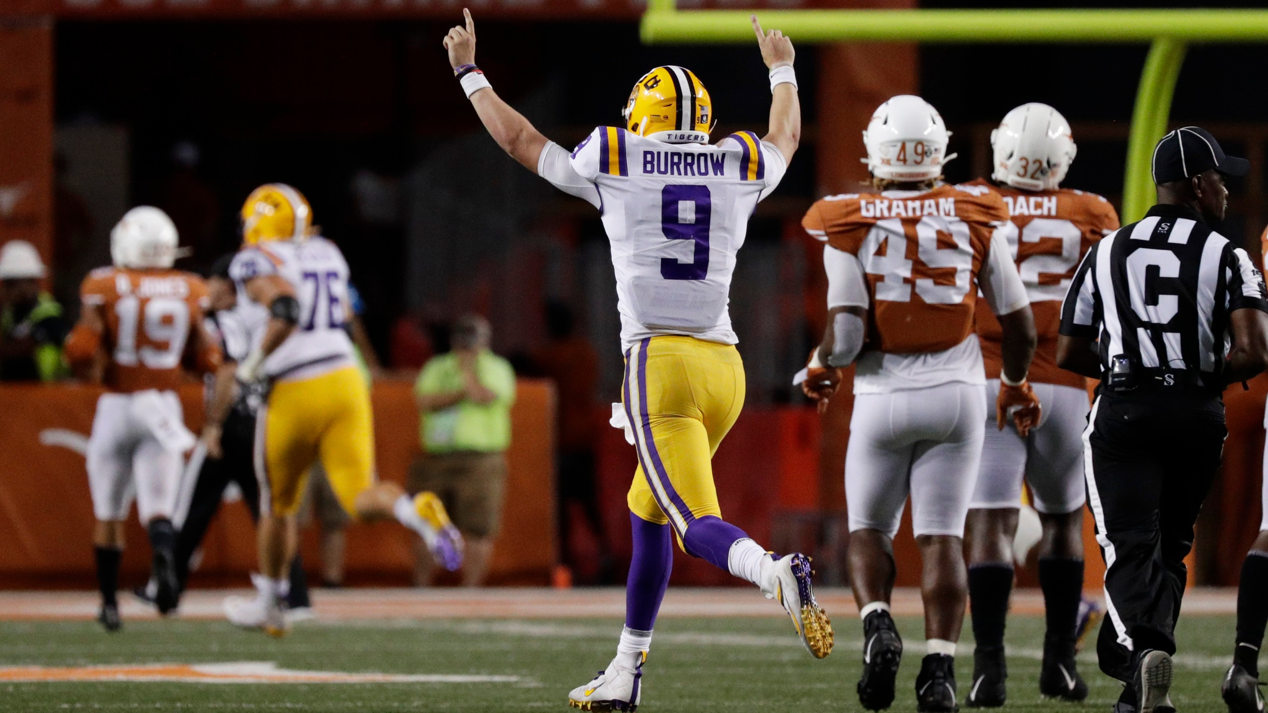 Burrow's 4 TD passes lead LSU over Texas 45-38 – WKRG News 5