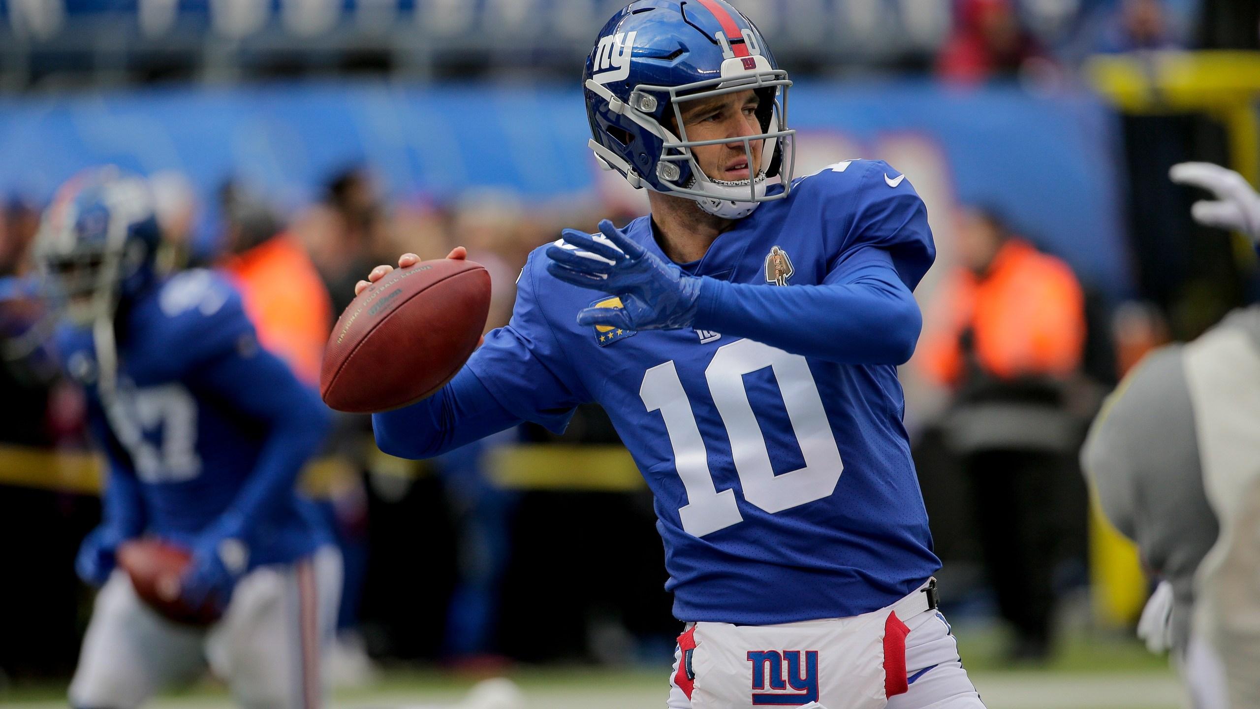 Daniel Jones Returns As Giants Starter Eli Back On Bench Wkrg