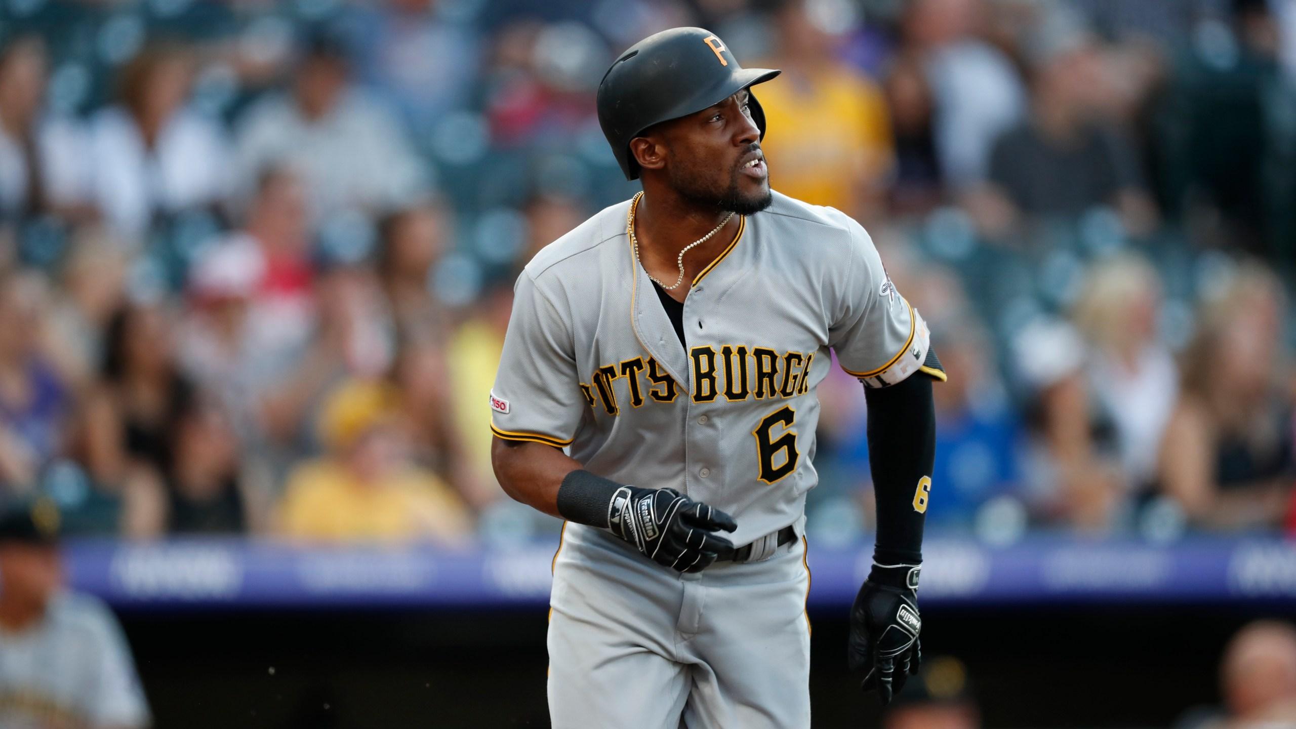 Pittsburgh Pirates center fielder Starling Marte (6), r m