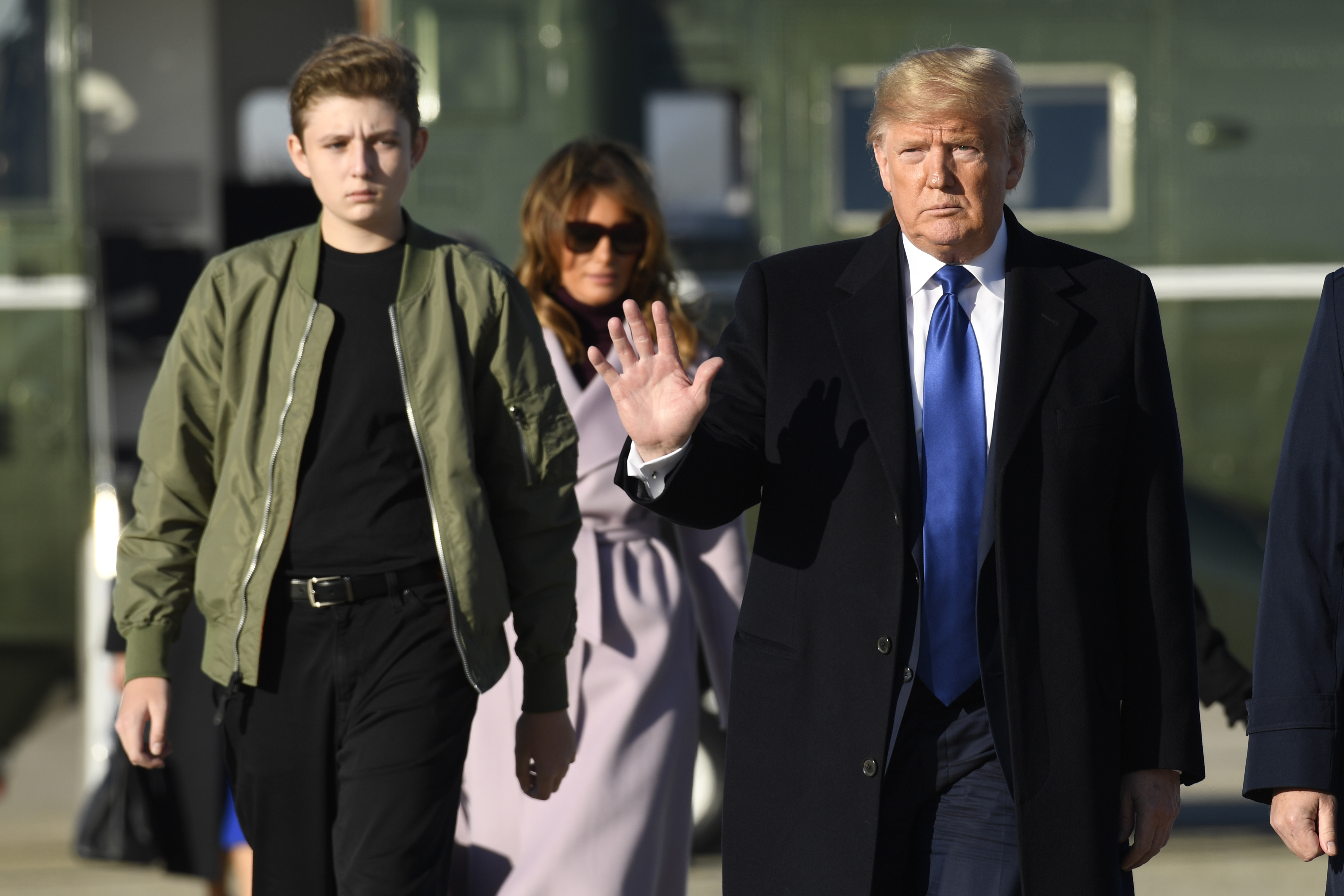 Wkrg Barron Trump S Private School To Stay Closed For Now