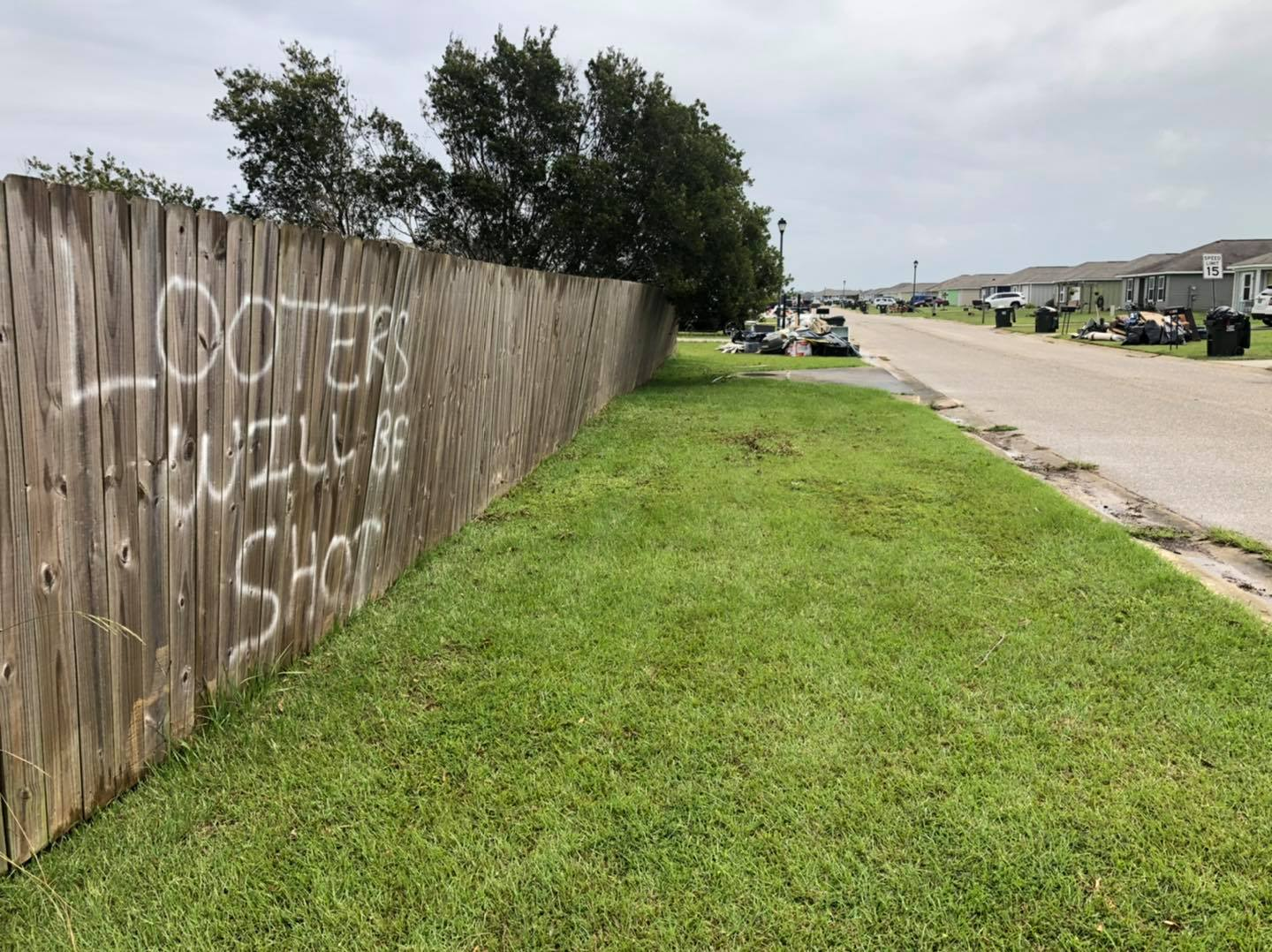 """""""Looters will be shot"""" sign warns in Baldwin County"""