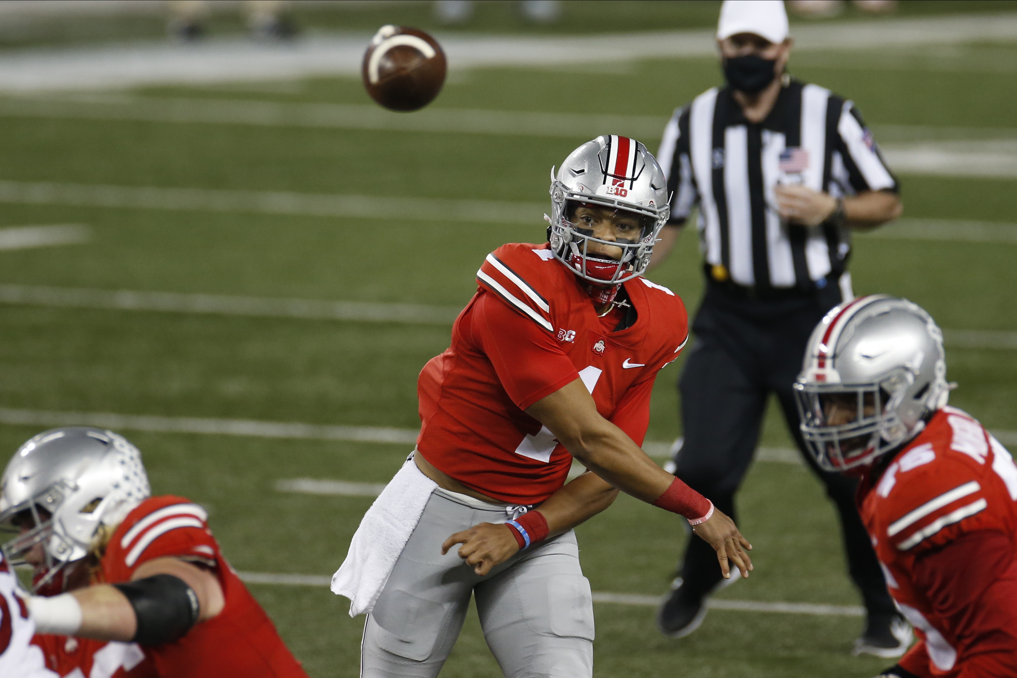 Fields Throws 5 Tds Passes No 3 Ohio State Beats Rutgers Wkrg News 5