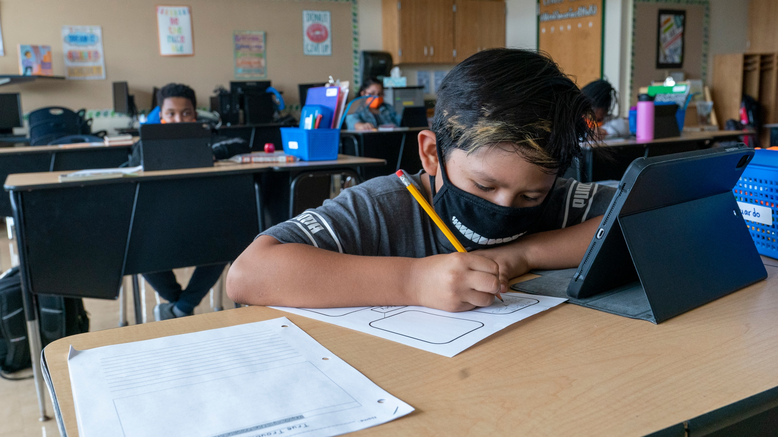 MCPSS will not mandate masks in schools but 'strongly recommends' them